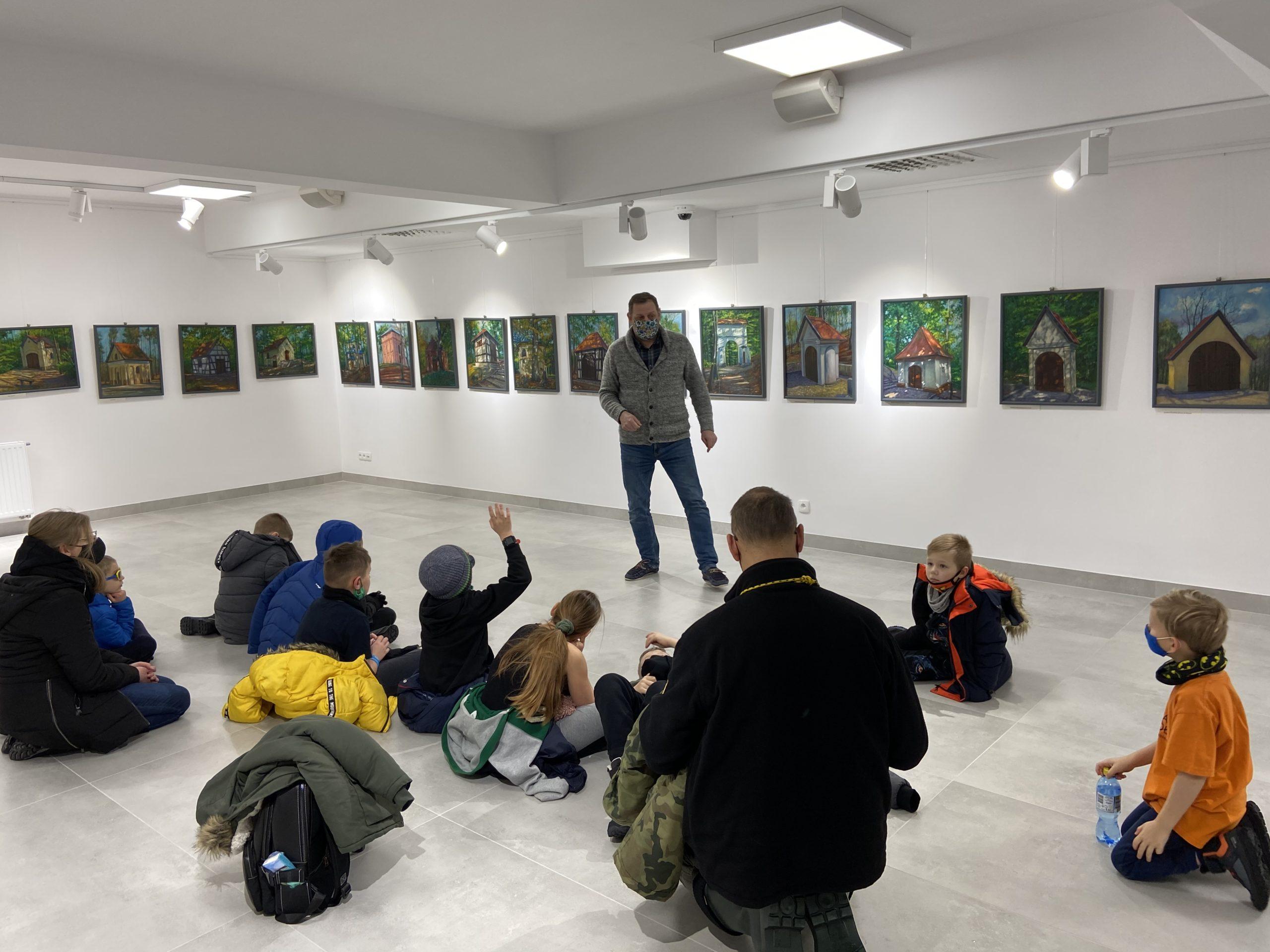 oprowadzenie dzieci po wystawie